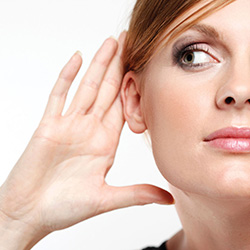 Слухови апарати и ларингофони